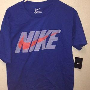 NWT Nike shirt